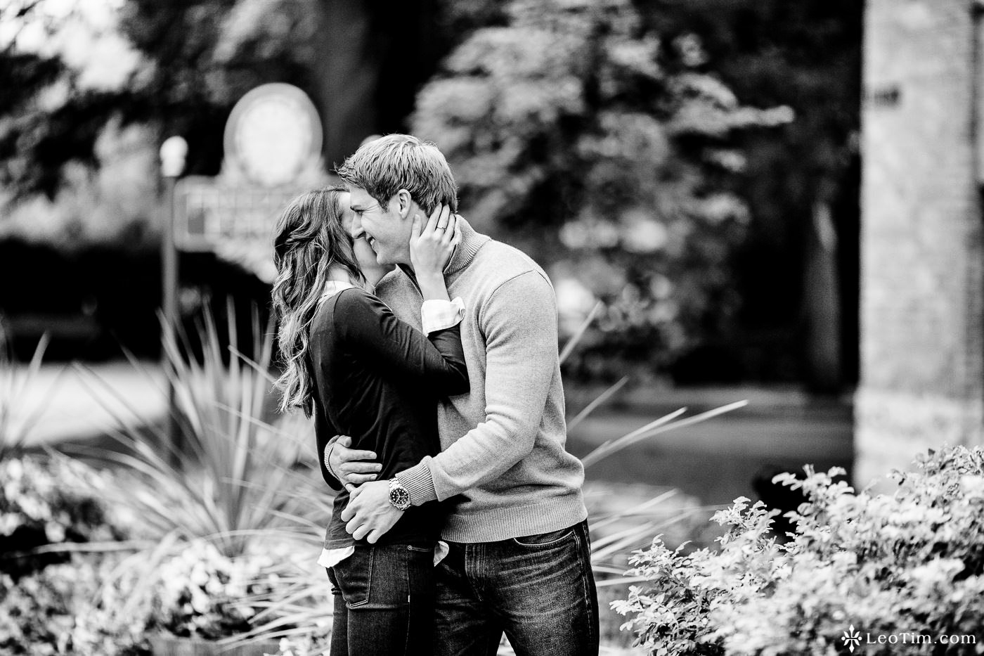 franklin-square-syracuse-engagement-photos-18.jpg