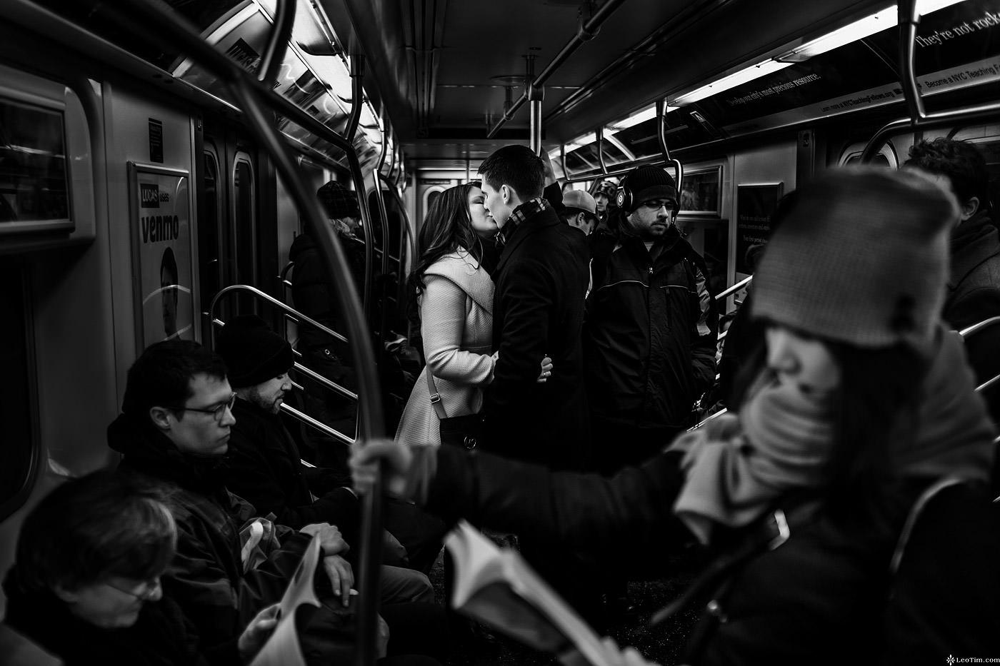 nyc-winter-engagement-photos-21.jpg