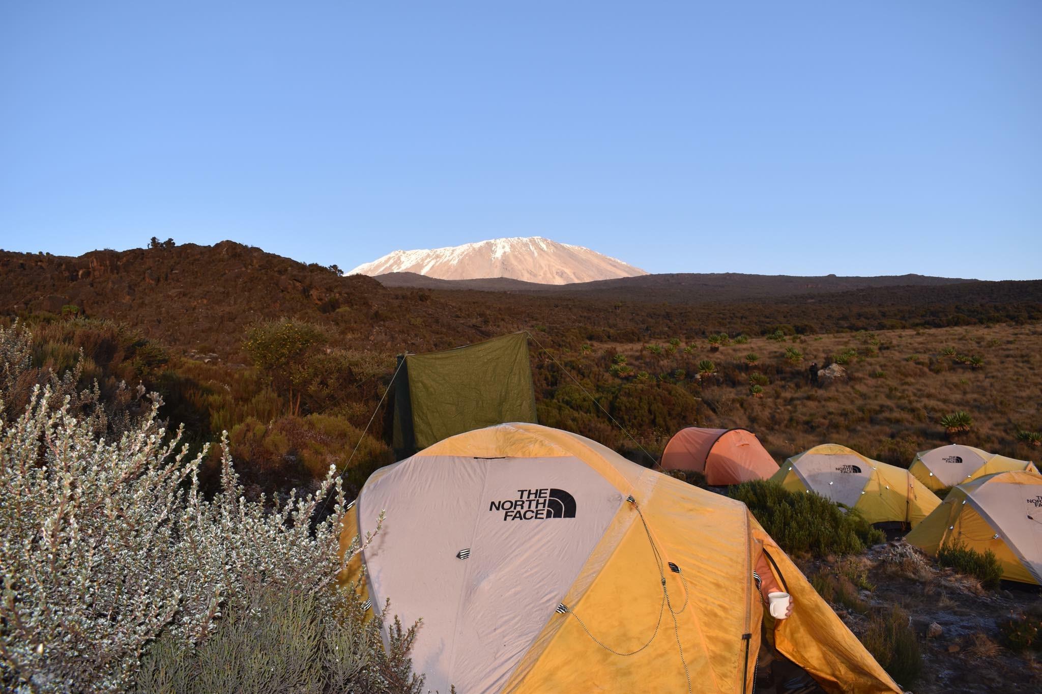Second camp - med flott utsikt til Kilimanjaro