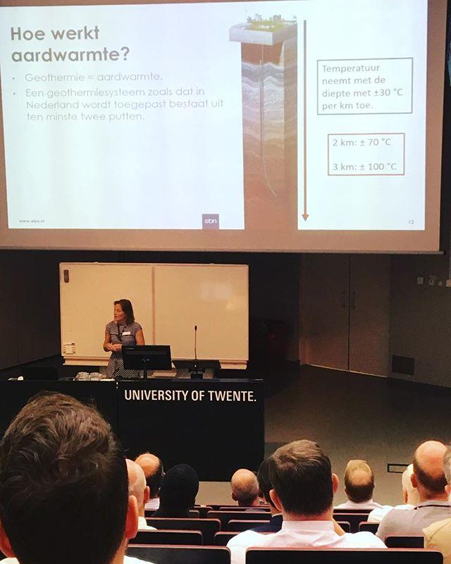 Vandaag was er een interessant symposium op de Universiteit Twente over de potentie van geothermie in Twente! Ook Onder Twente was hierbij aanwezig. #innovatie #universiteittwente #onderzoek #ondergrond