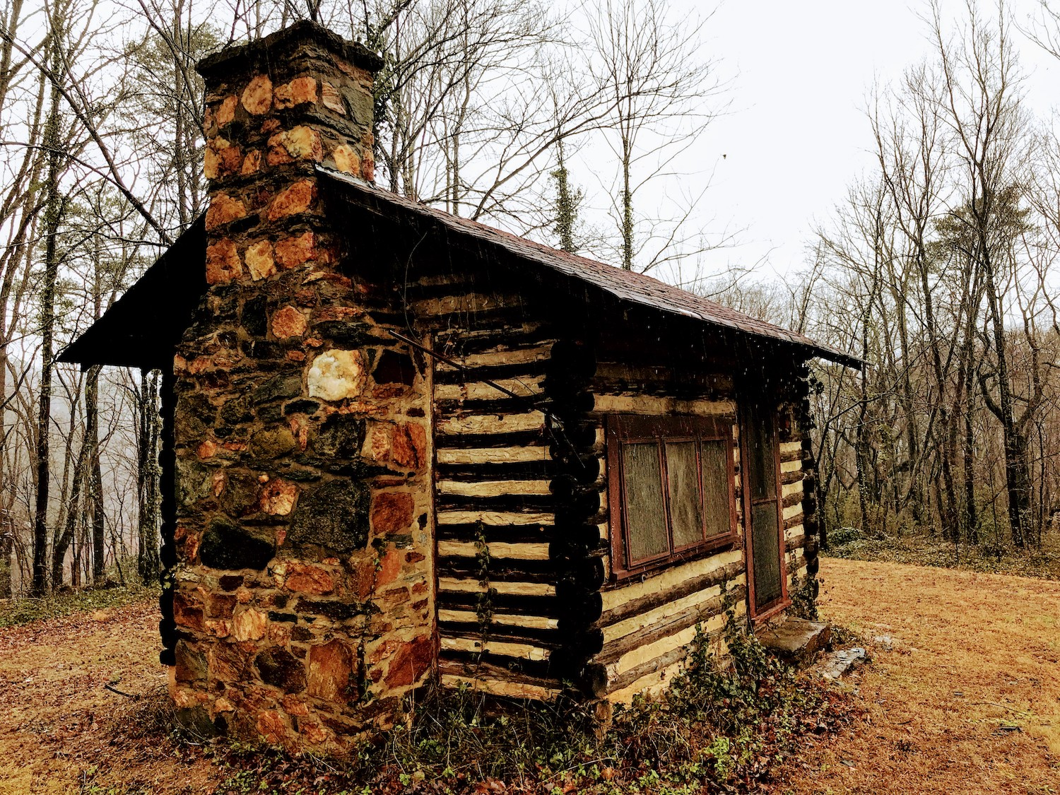 Early Log Cabin on WIlderness road