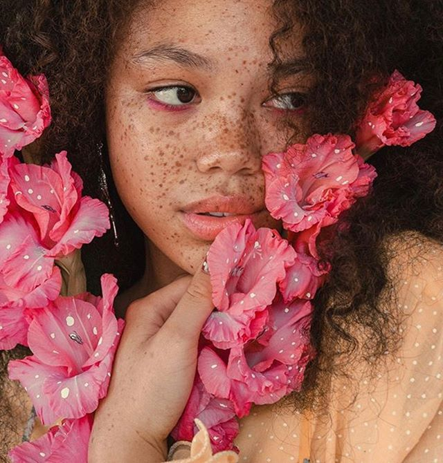 Soft as a 🌸 . . . . @dominiquereshae @deanastacia . . . . . #nudemakeup #makeup #shadeinclusive #beauty