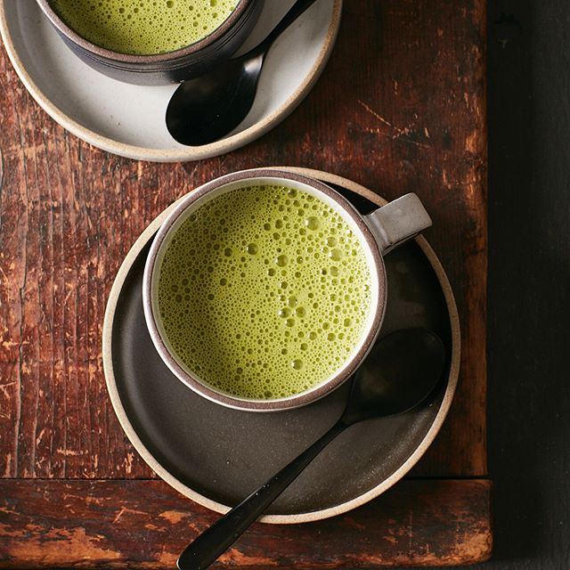 Matcha Latte for The Hashimoto's AIP Cookbook #matchalatte #matcha  #coconutmilk #latte  #thehashimotosaipcookbook #cookbook #callistomedia #foodstylist #foodphotography #foodstyling 📷 @eviabeler