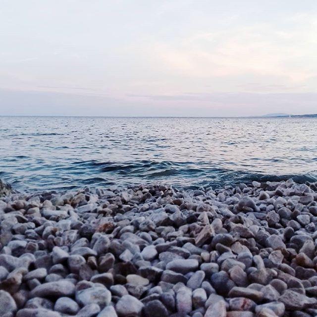 my happy place  #beach #islandlife #waterlover #sealover #easyliving #meditation #inspiration #minimalmood #simplicity #nature #photooftheday