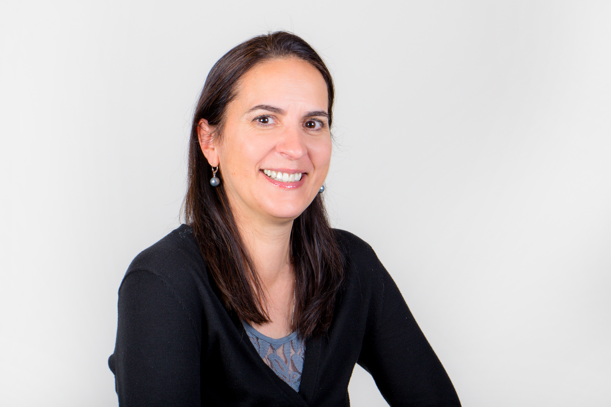 Layusiana Ciobanu, DDS - With a DDS from the University of Tennessee, College of Dentistry, Memphis, Dr. Ciobanu has studied in Europe and the United States. She provides comprehensive dentistry with advanced training in restorative dentistry.