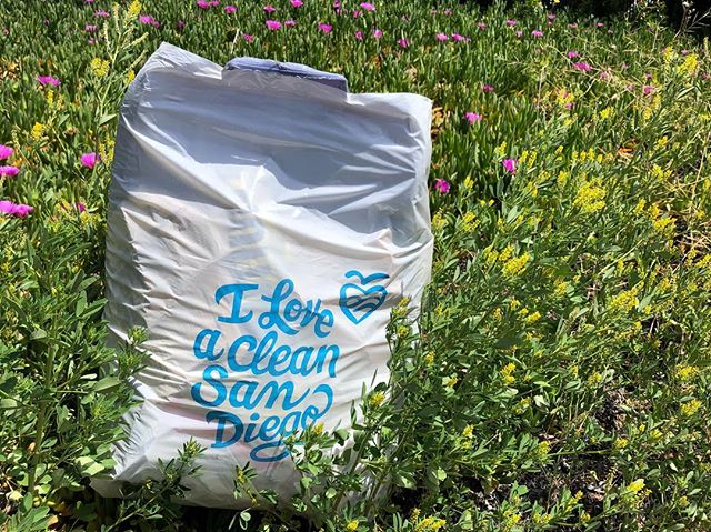 It was a beautiful day to pick up litter on a 1-mile loop around North Harbor Dr, Rosecrans and Nimitz. #pointloma #iloveacleansandiego #trashtag