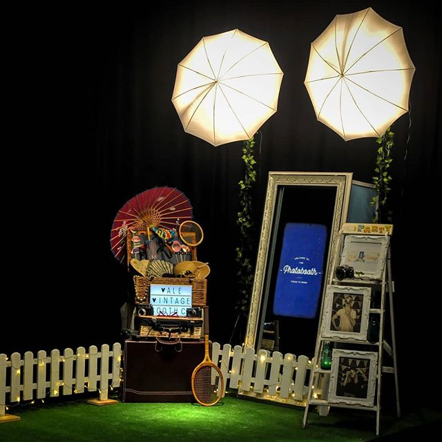 Our vintage mirror booth looking rather snappy for its first photoshoot.. .Tally ho!!!