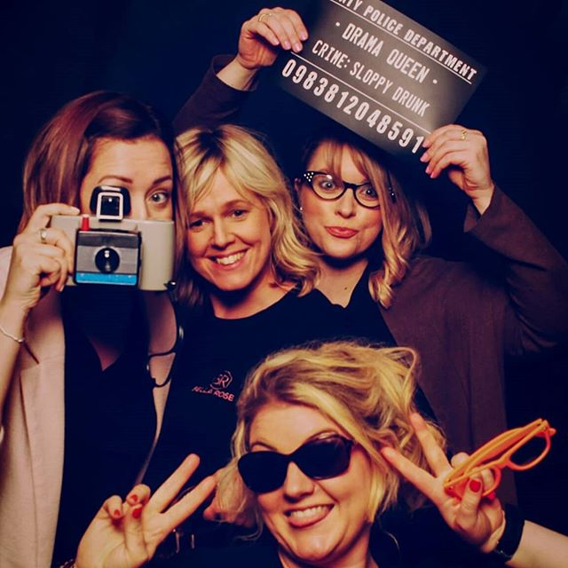 Love This! The @bellarosewedding #dreamteam rock the vintage mirror booth at their roaring success of a wedding fayre 👏🖒thanks everyone!! 💛