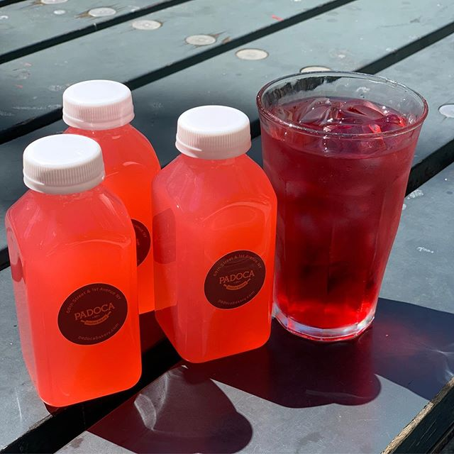 Happy Friday! Have you tried our new Hibiscus Lemonade? 🌺 🍋 #sorefreshing #friday @teemateas