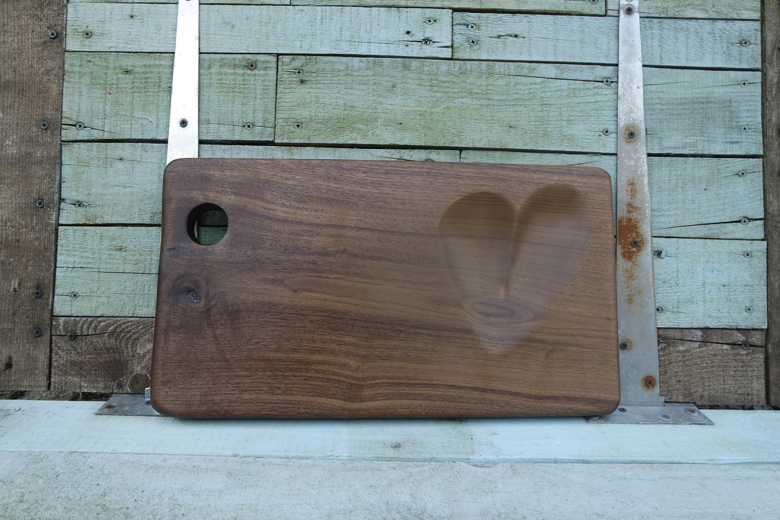 A classic design in my workshop -  The heart serving board