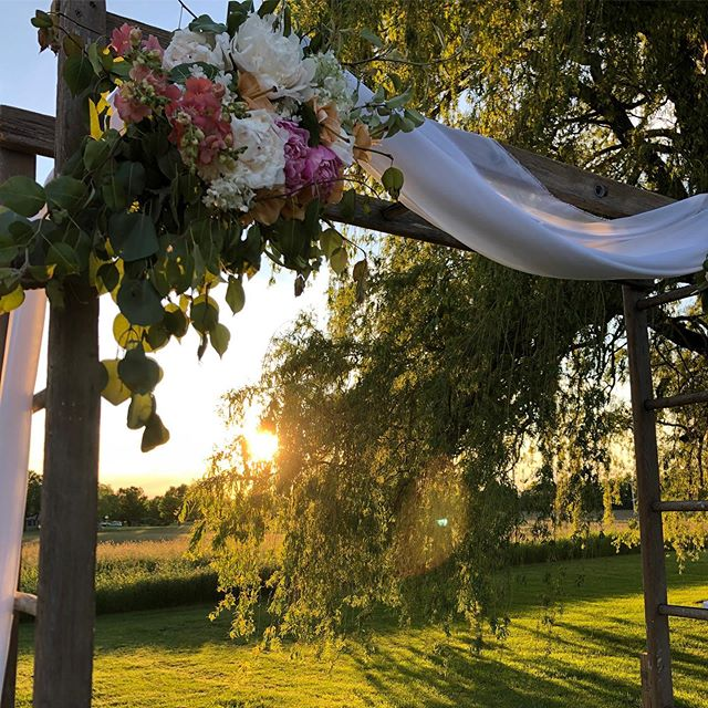 Congratulations, Brandon and Amanda! The most beautiful day to celebrate our first wedding of the season. 💐