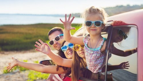 Essential Baby, Dec 2017 - Is travelling with small kids worth it?