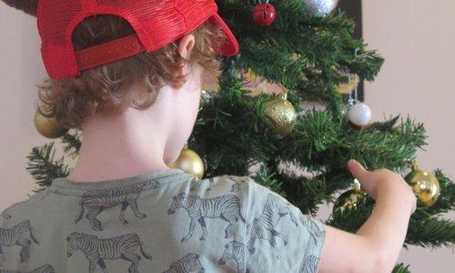 Kidspot, Dec 2017 - Kids scared of Santa? Here's how to handle it