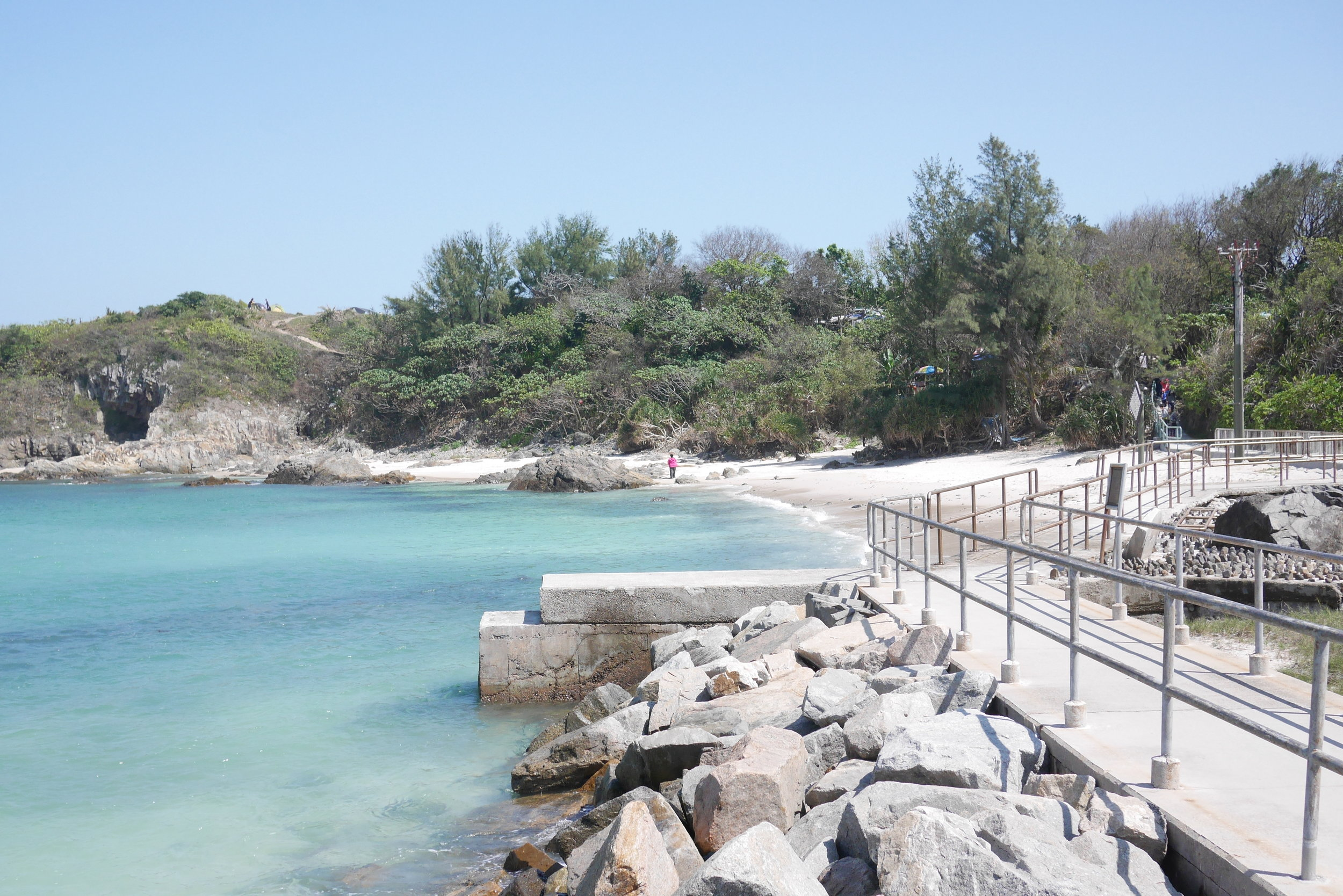 個水質不俗的沙灘