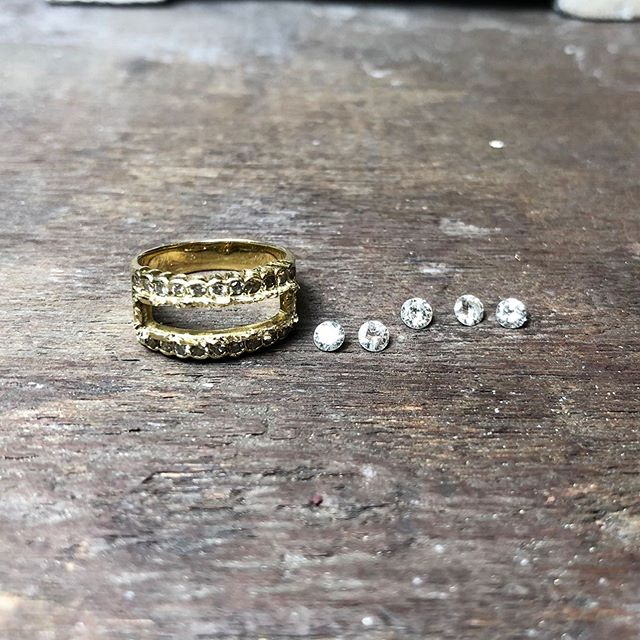 Stones removed and preparing to set on a brand new ring! 💍🔥What style would you change it to? #styleupdate #jewelryupdate #samestonesdifferentdesign