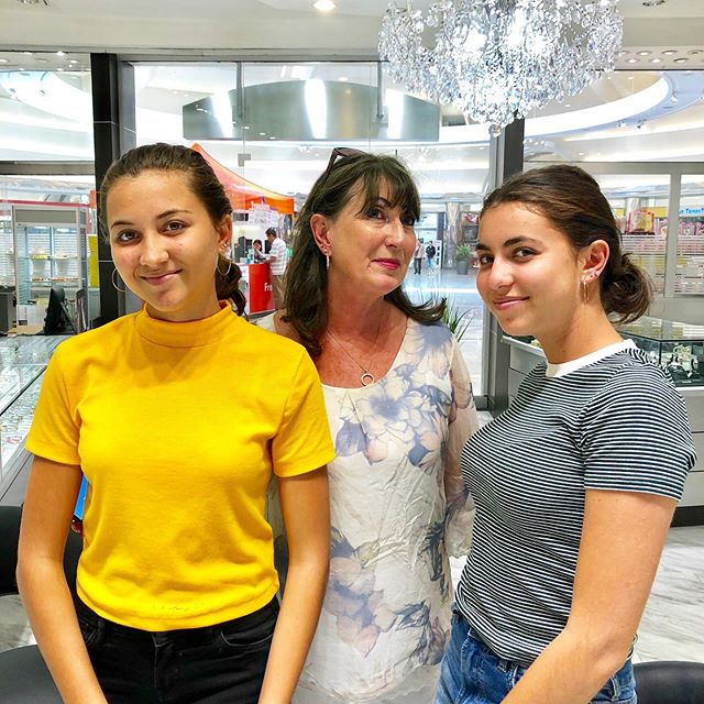 These girls came in today and got their ears pierced with their Grandma! What a sweet, fun and memorable piercing party!! 😍👩‍👧‍👧💕 thanks for coming in!  @k.chanelleberrie @kajah_berrie #xiexie #thankyou #family #earpiercing
