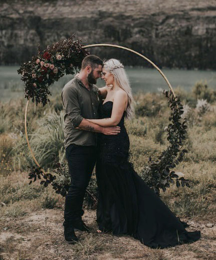 gold-round-arch-wedding-hoop-hire-rent-auckland-wedding.jpg