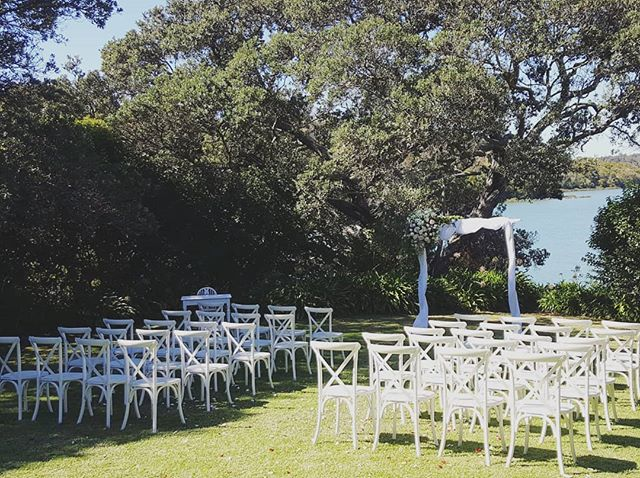 Our pop up set looking fiiiine on a beautiful April day @orakeibaynz #popupwedding #ceremonystyle #whataspot
