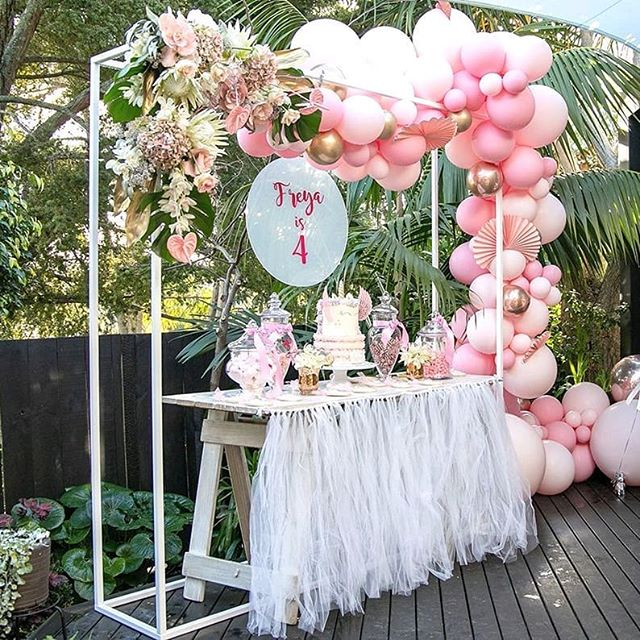 Our chic new white box frame looking fab all styled up with balloons and florals for this 4th bday party. Complete with the candy bar and cake on our trestle table. Yum!  Photos by @katie.hodgsonnz , Flowers by @erydayimblossoming , Beautiful cake by @megrcakes , Balloons by @prettylittlepackage.balloons , Cookies by @karenssugargarden , Decals by @contagiously_funky , Decorations & tableware @ThePartyBoxCompany , Styling by Jo Hough