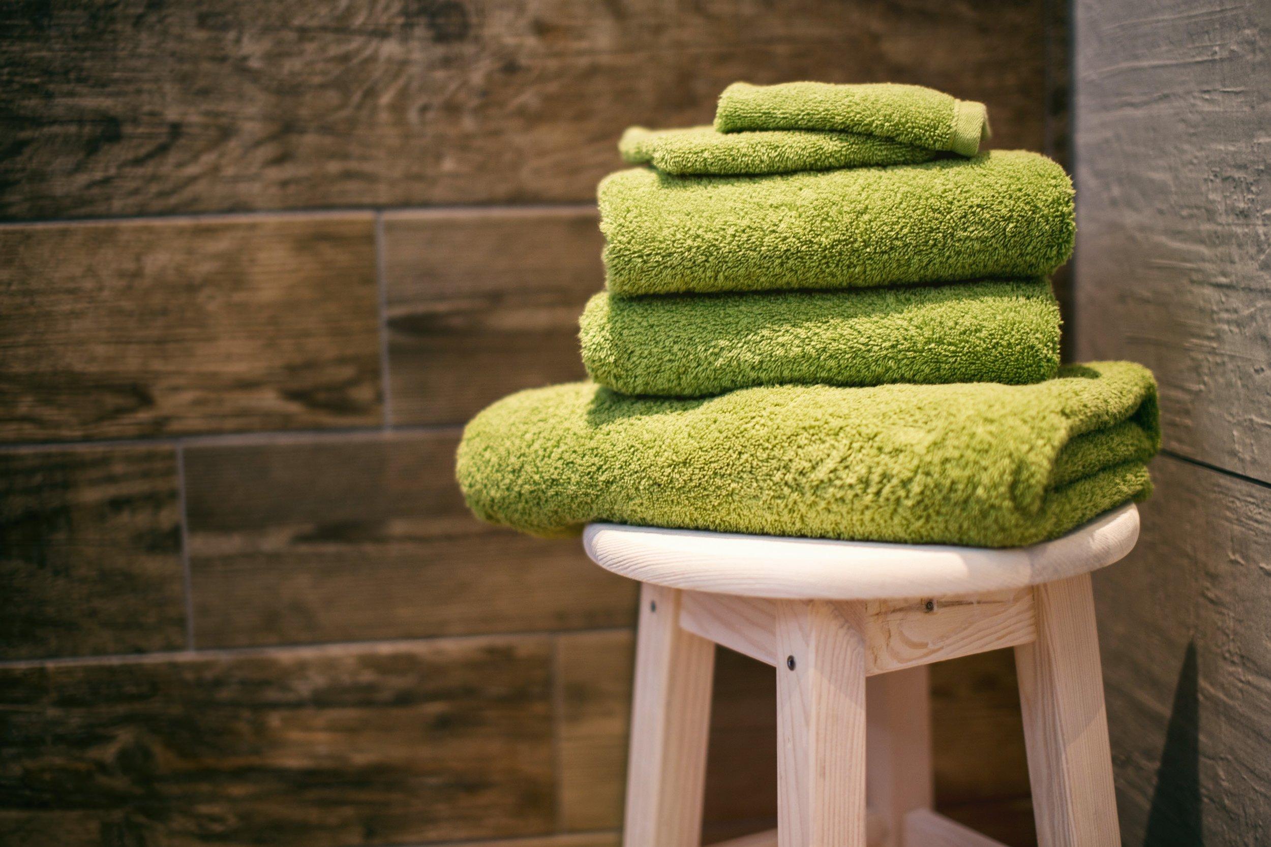 用毛巾取代衛生紙擦汗