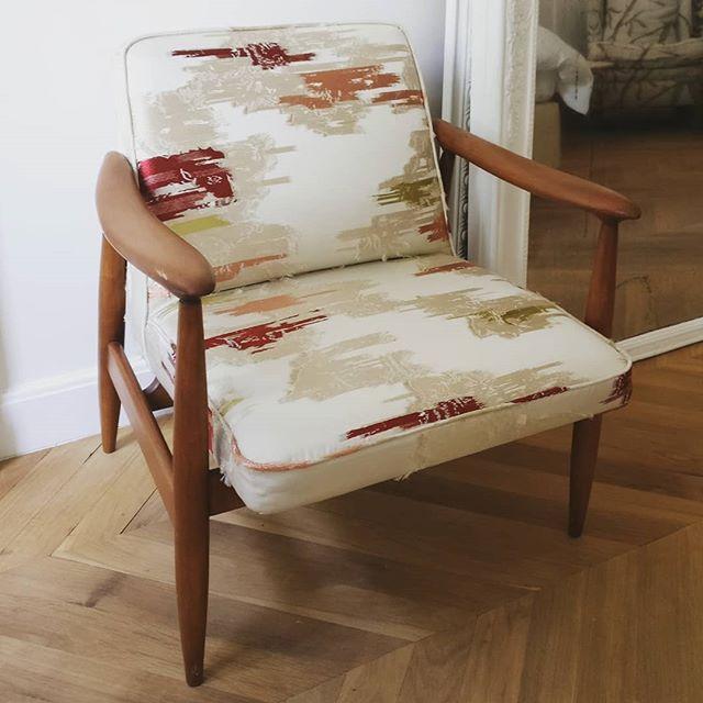 Coup d'œil sur un joli fauteuil @dedarmilano