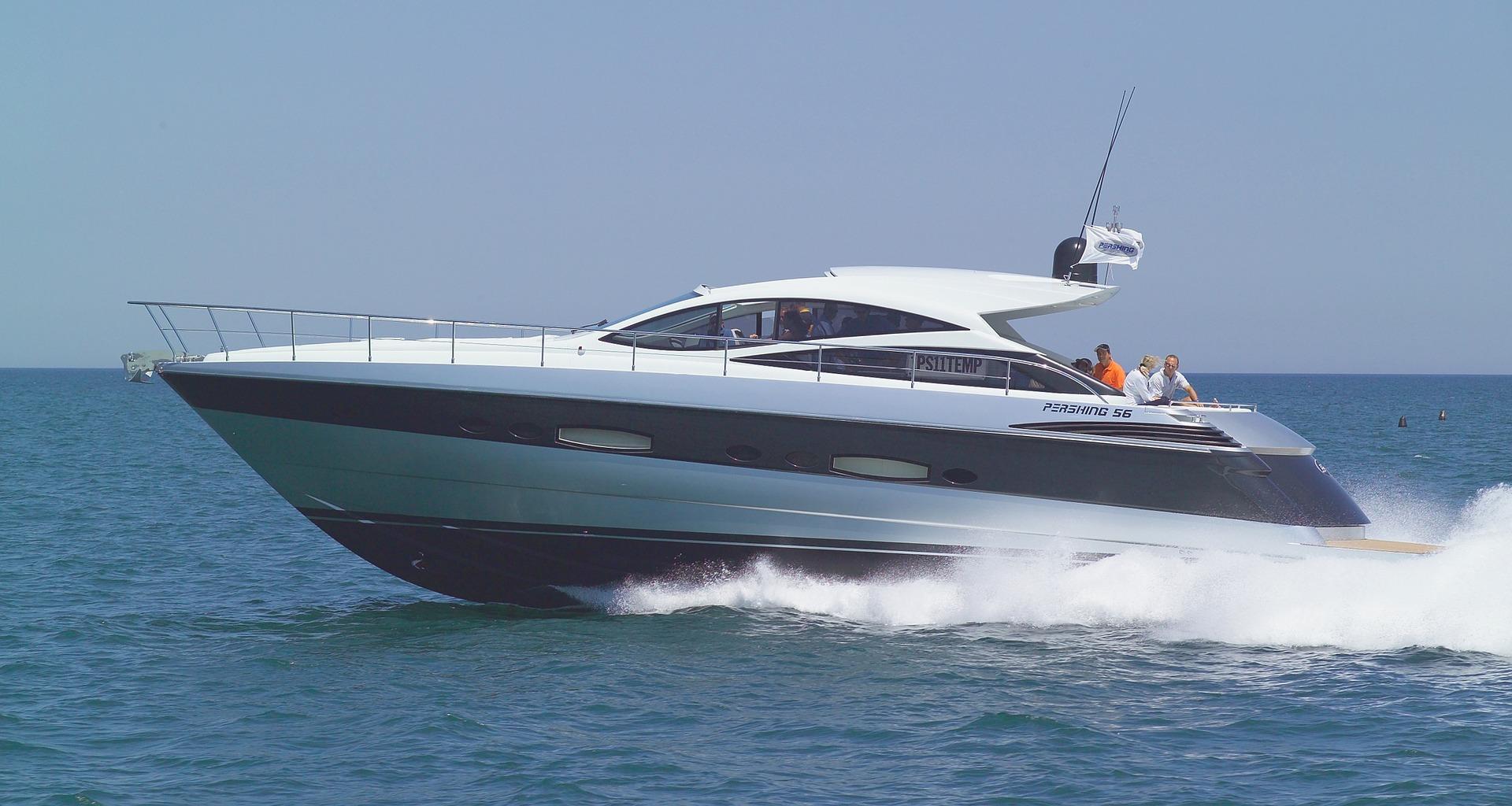 yacht-838708_1920.jpg