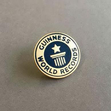 guiness-world-records-hard-enamel_1400_736_30_s.jpg