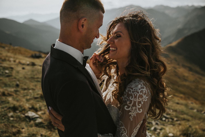 mountains_Klaudia&Dawid_weddingphotographer009.jpg