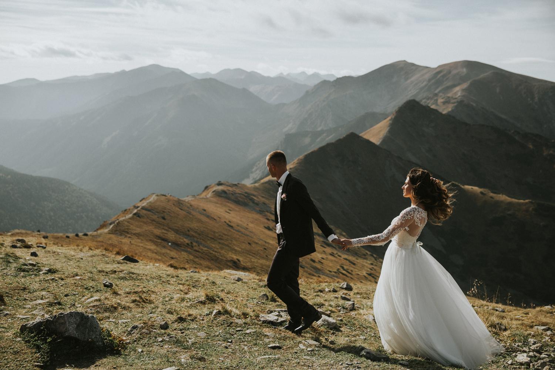mountains_Klaudia&Dawid_weddingphotographer012.jpg