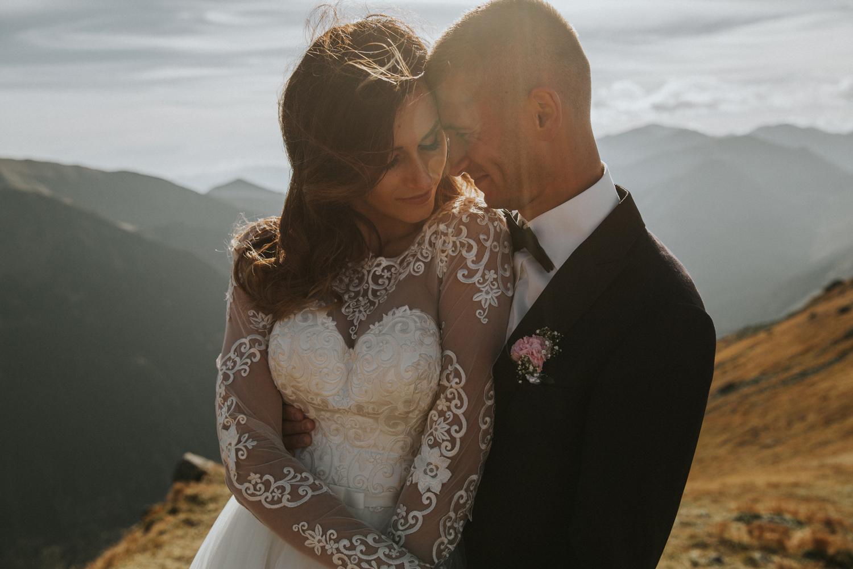 mountains_Klaudia&Dawid_weddingphotographer026.jpg