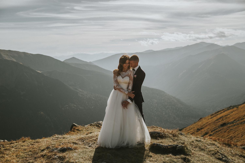 mountains_Klaudia&Dawid_weddingphotographer025.jpg