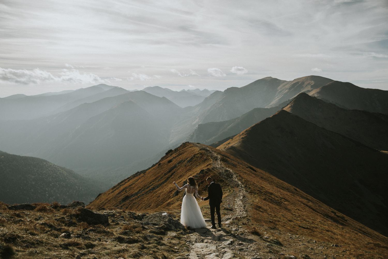 mountains_Klaudia&Dawid_weddingphotographer033.jpg