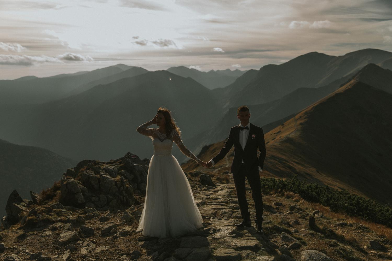 mountains_Klaudia&Dawid_weddingphotographer038.jpg