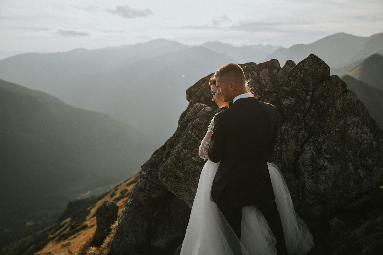 mountains_Klaudia&Dawid_weddingphotographer044.jpg