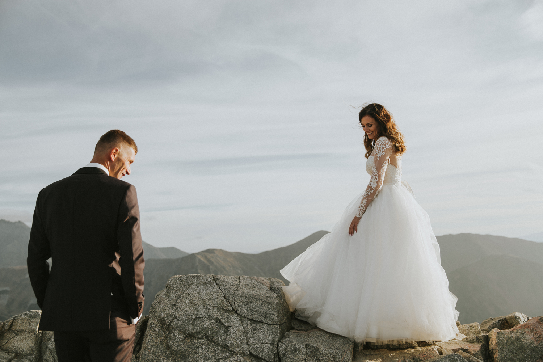 mountains_Klaudia&Dawid_weddingphotographer053.jpg