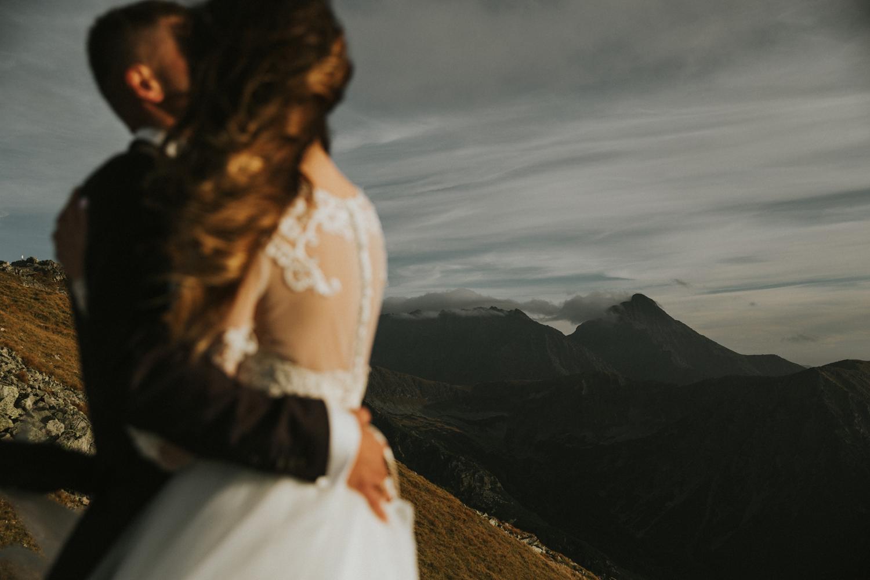 mountains_Klaudia&Dawid_weddingphotographer054.jpg