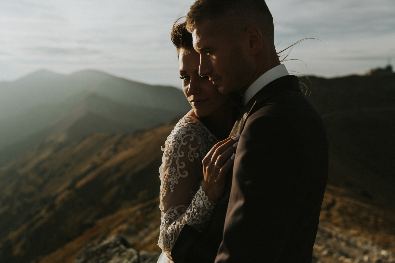 mountains_Klaudia&Dawid_weddingphotographer055.jpg