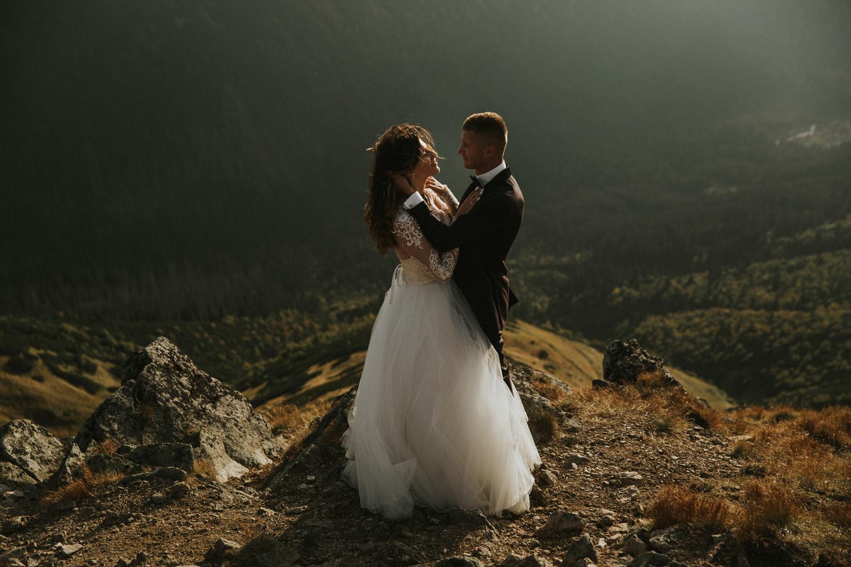 mountains_Klaudia&Dawid_weddingphotographer058.jpg