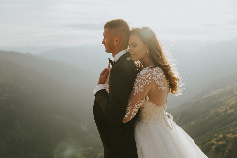 mountains_Klaudia&Dawid_weddingphotographer067.jpg