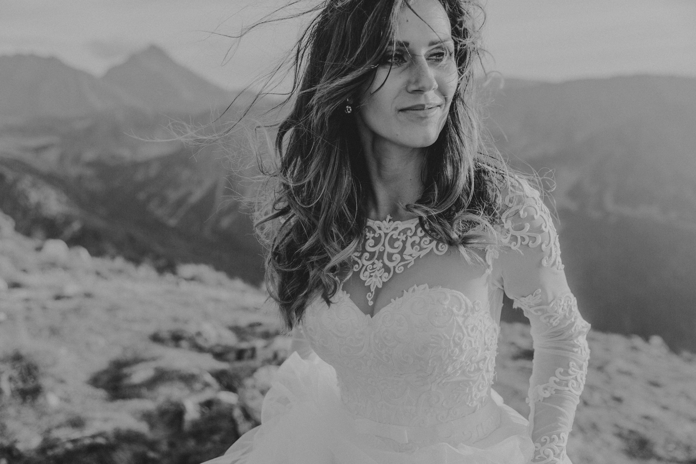 mountains_Klaudia&Dawid_weddingphotographer073.jpg