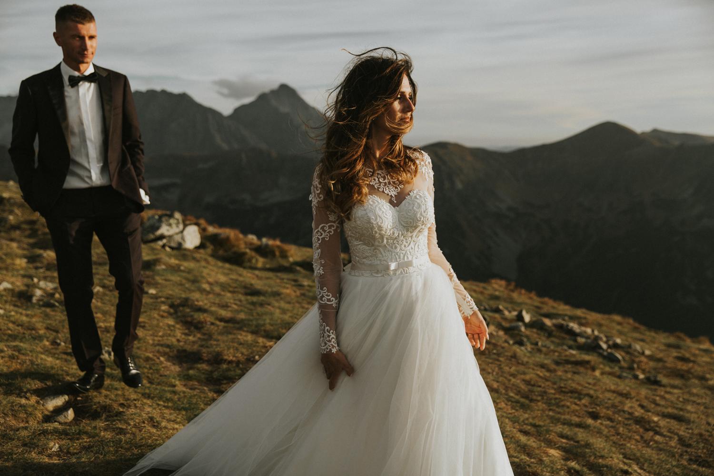 mountains_Klaudia&Dawid_weddingphotographer074.jpg