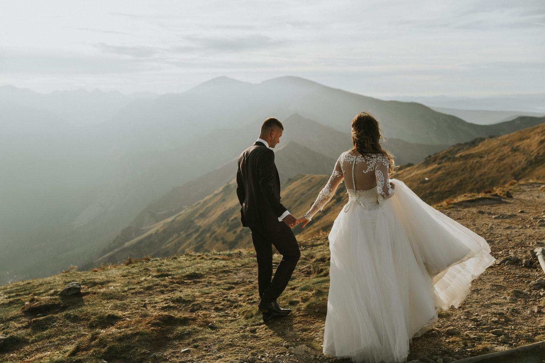 mountains_Klaudia&Dawid_weddingphotographer075.jpg