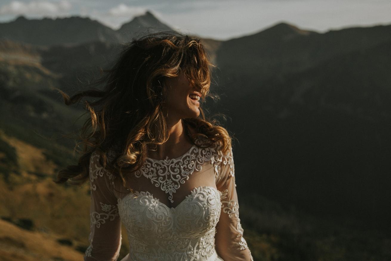 mountains_Klaudia&Dawid_weddingphotographer032.jpg