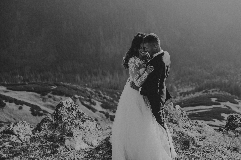 mountains_Klaudia&Dawid_weddingphotographer061.jpg