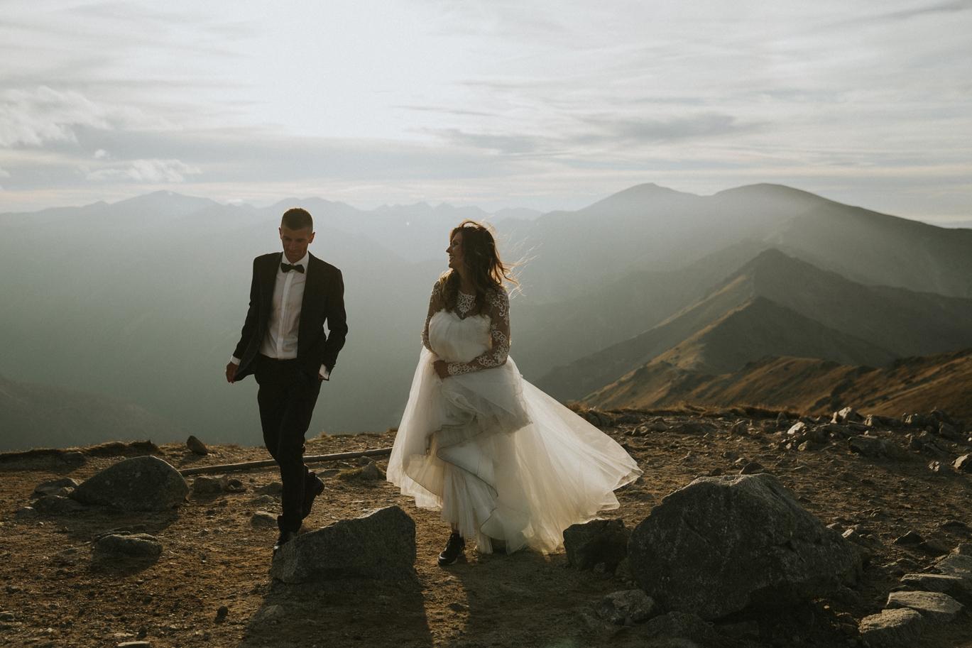 mountains_Klaudia&Dawid_weddingphotographer076.jpg