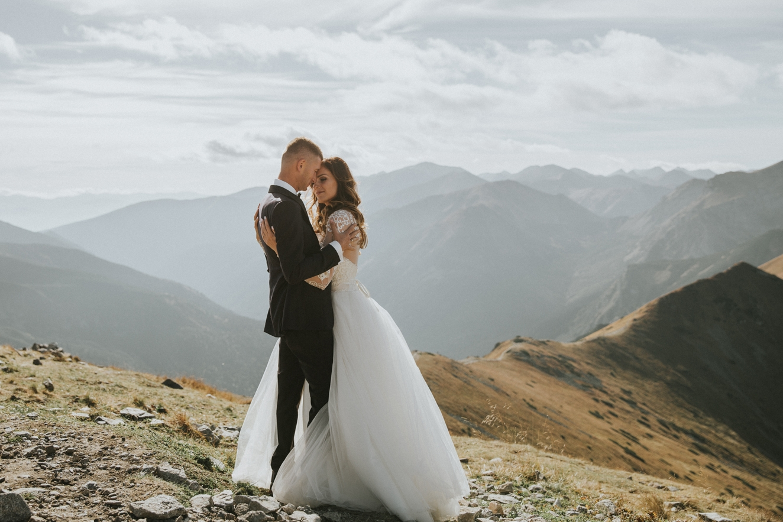 mountains_Klaudia&Dawid_weddingphotographer006.jpg