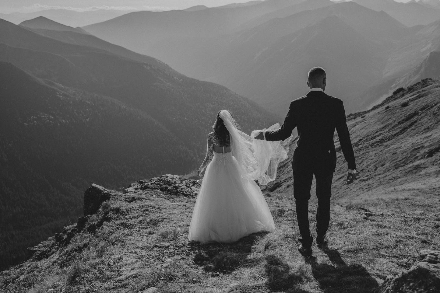 mountains_Klaudia&Dawid_weddingphotographer027.jpg