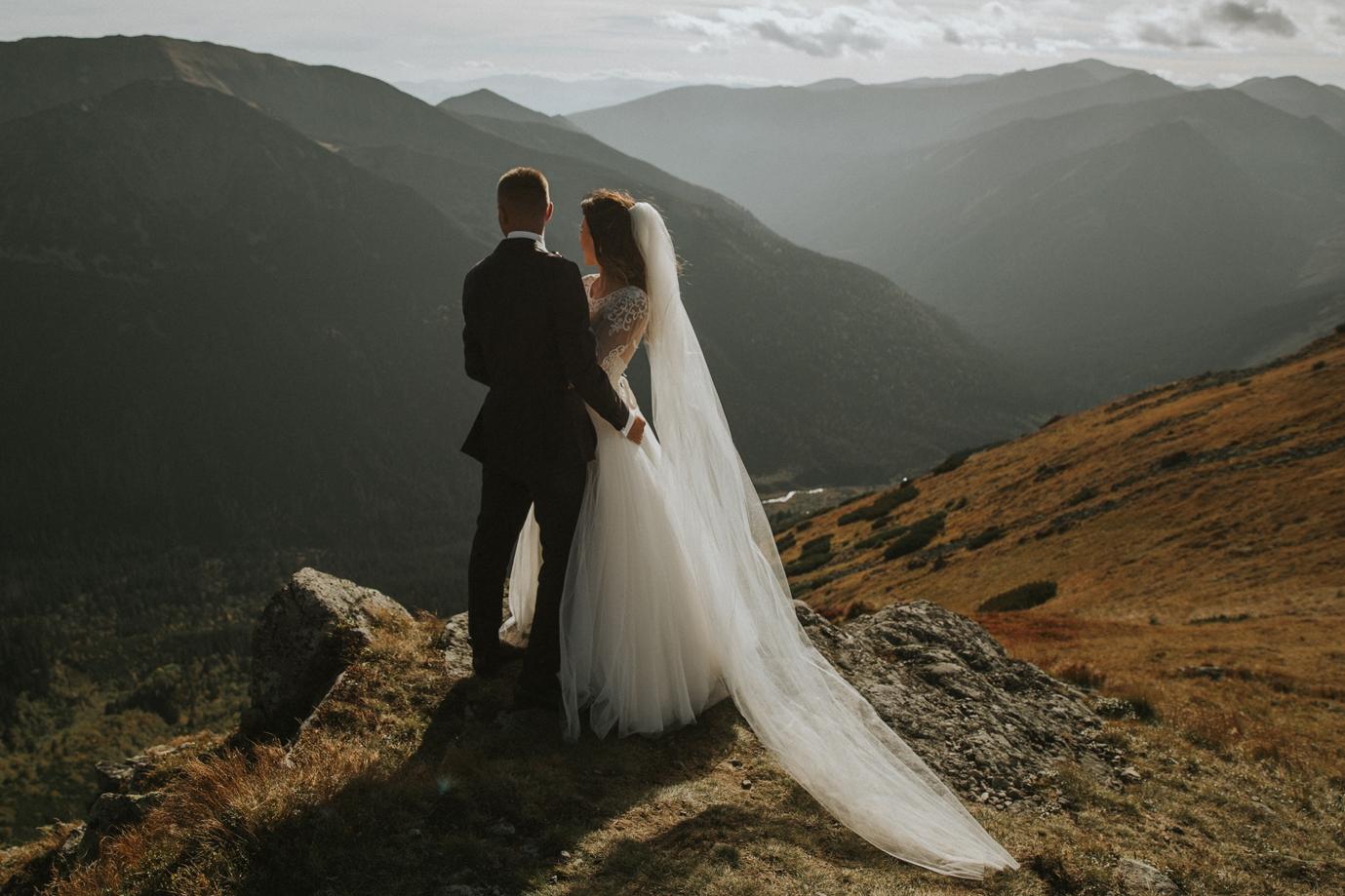 mountains_Klaudia&Dawid_weddingphotographer029.jpg
