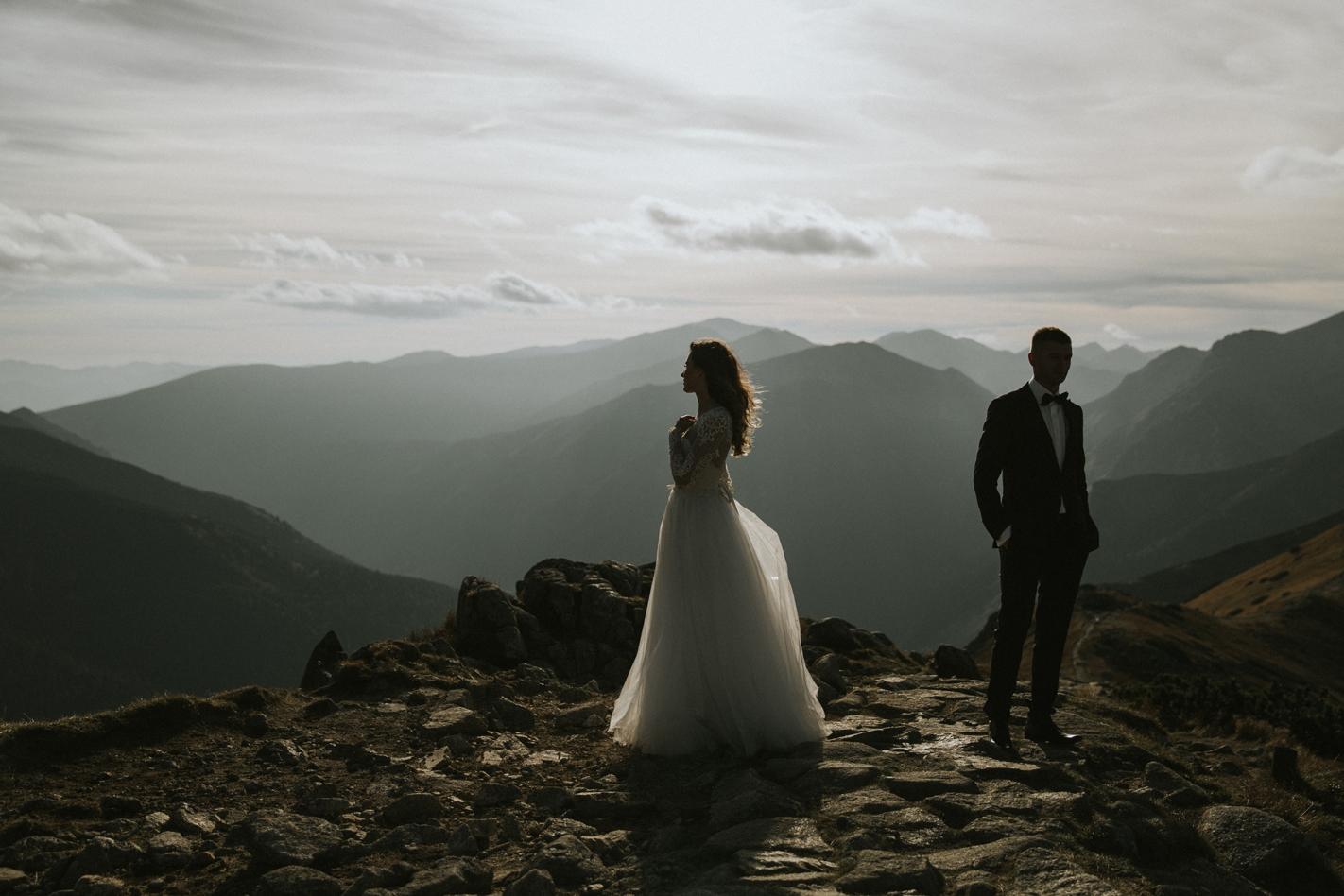 mountains_Klaudia&Dawid_weddingphotographer039.jpg