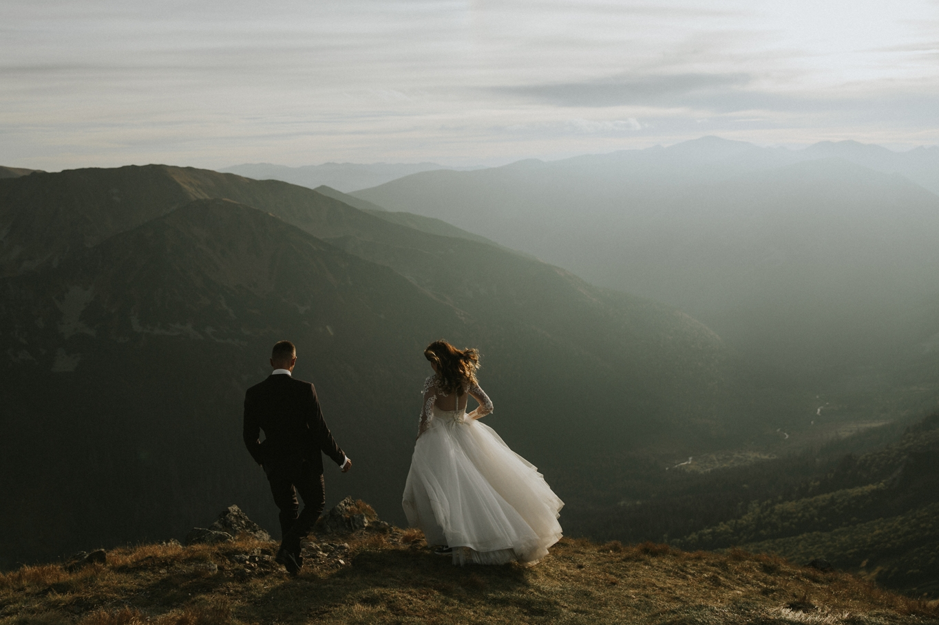 mountains_Klaudia&Dawid_weddingphotographer056.jpg